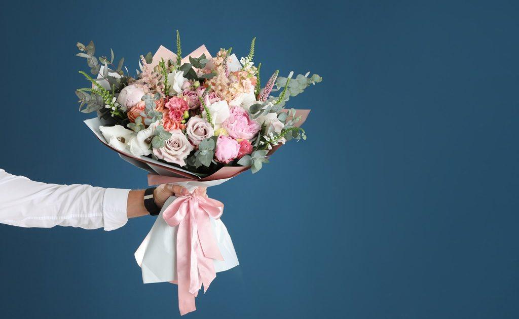 花束の運び方
